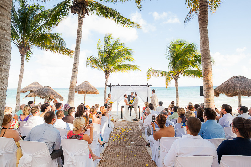 Wedding ceremony on the beach in the Riviera maya