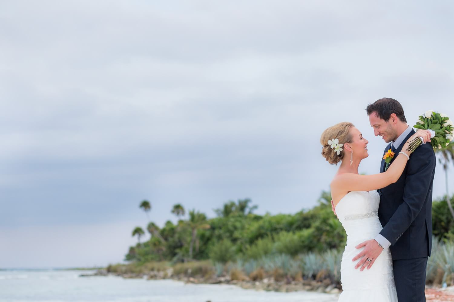Couple on beach at Mexico wedding phtography