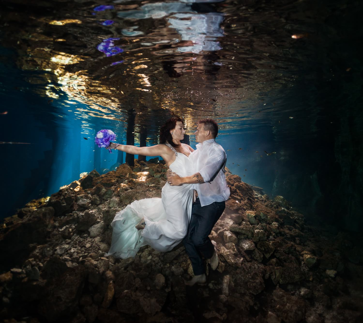Couple in underwater TTD