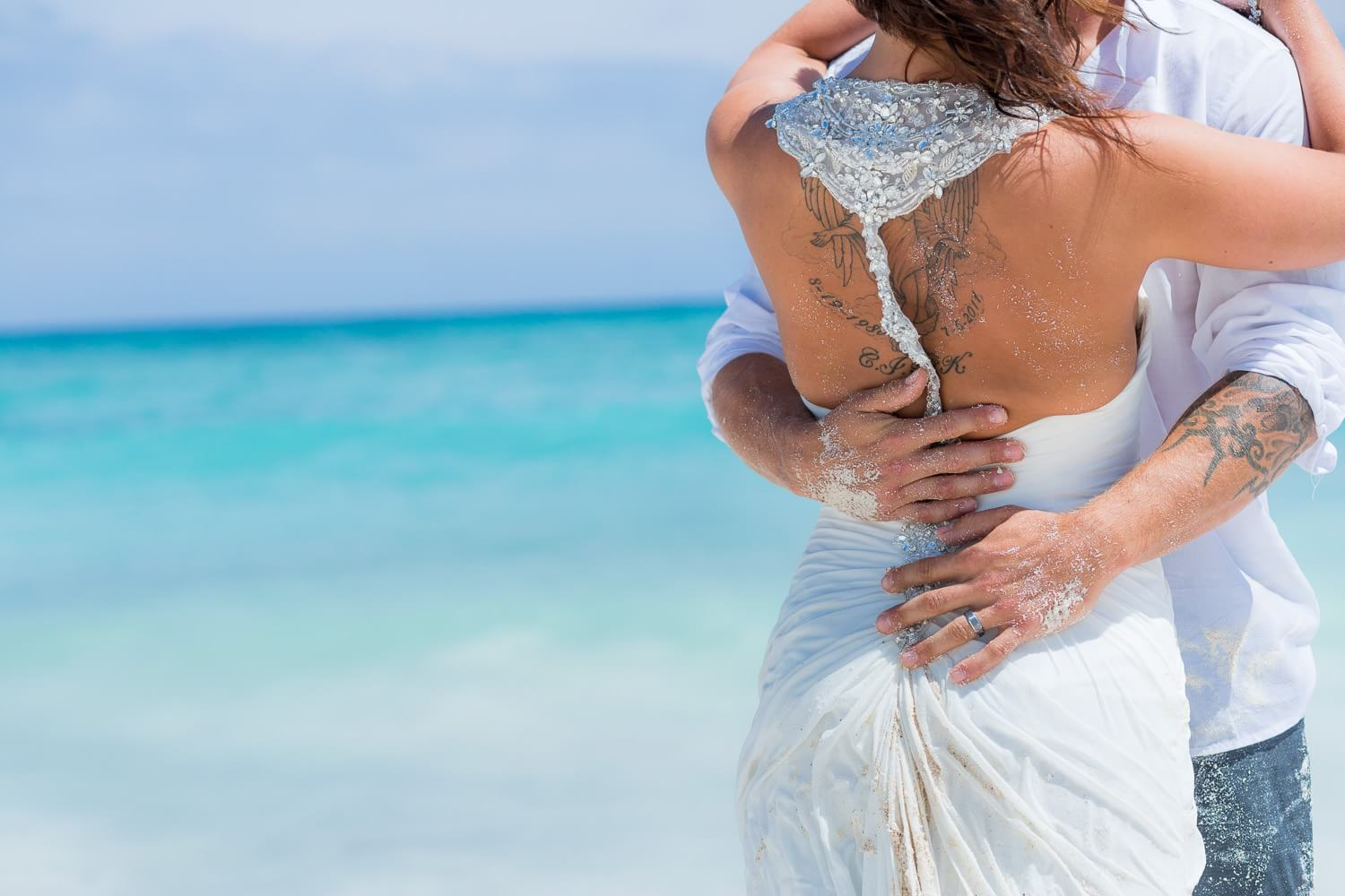 Back of couple, detail, Riviera Maya