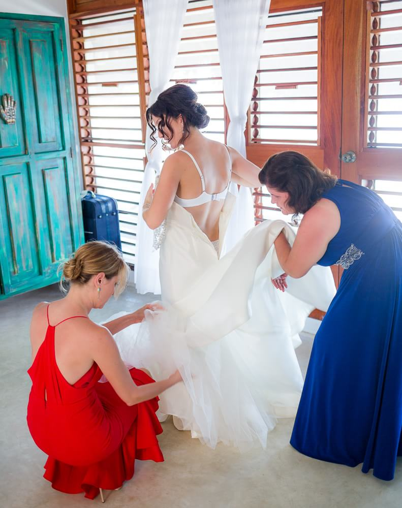 Bride getting ready at El Pez Hotel Tulum wedding