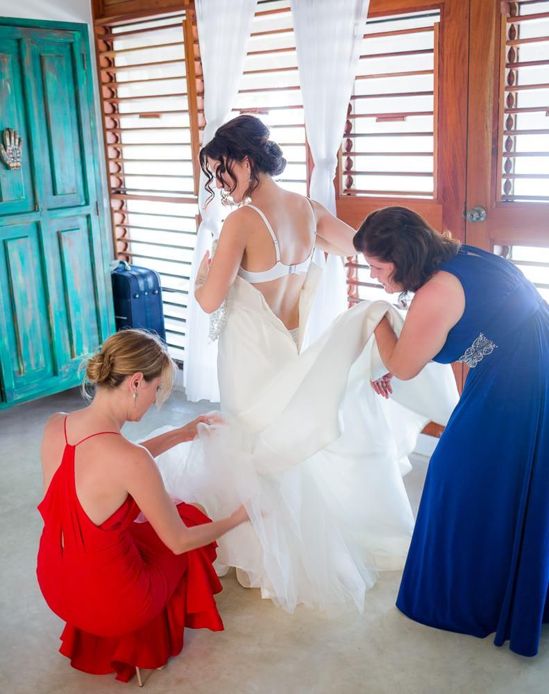 Bride getting ready at El Pez Hotel Tulum wedding