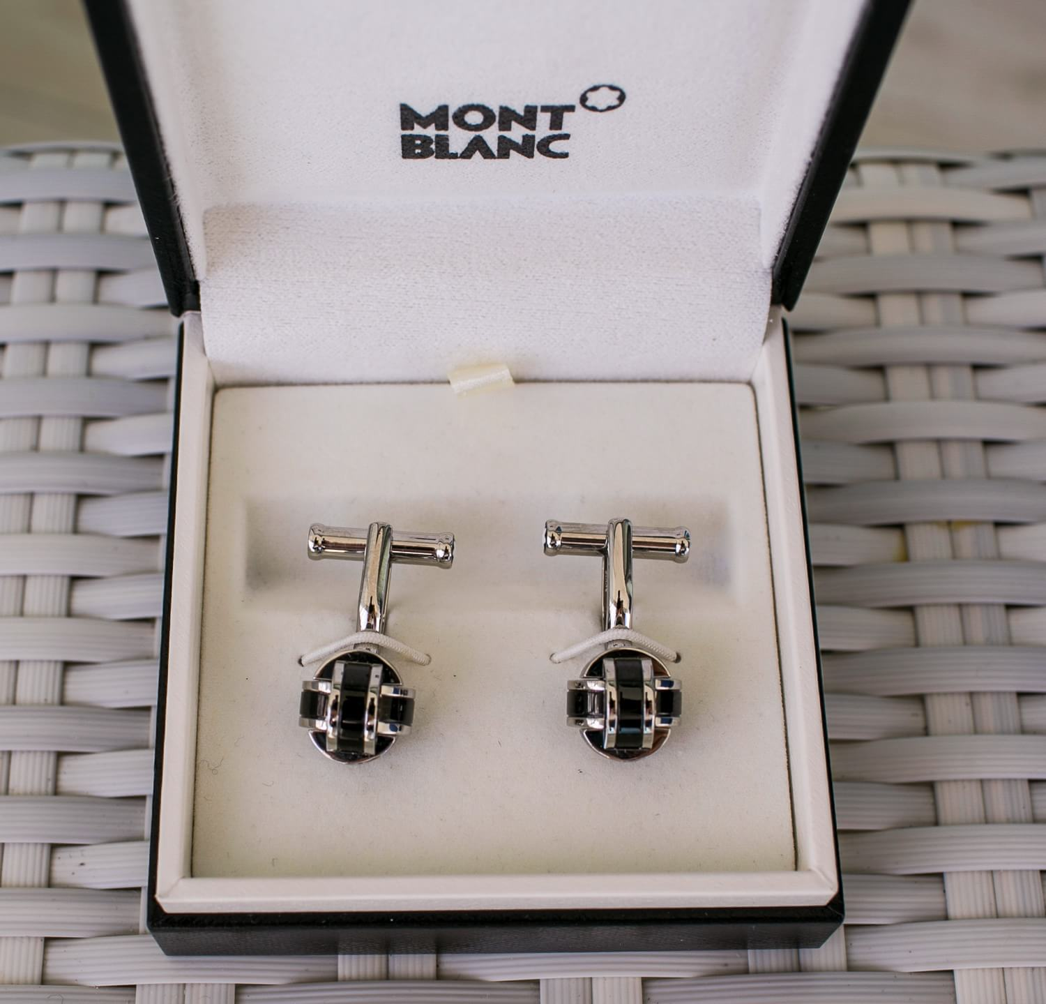 Cufflinks for wedding in cancun