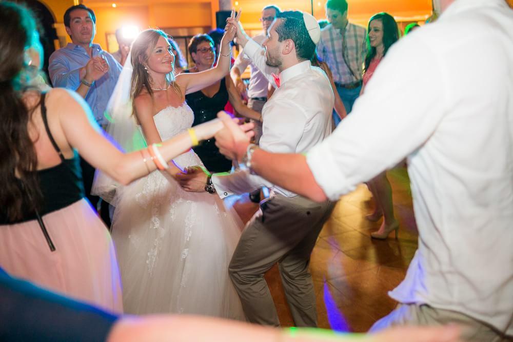 Jewish couple dancing at Riviera Maya wedding