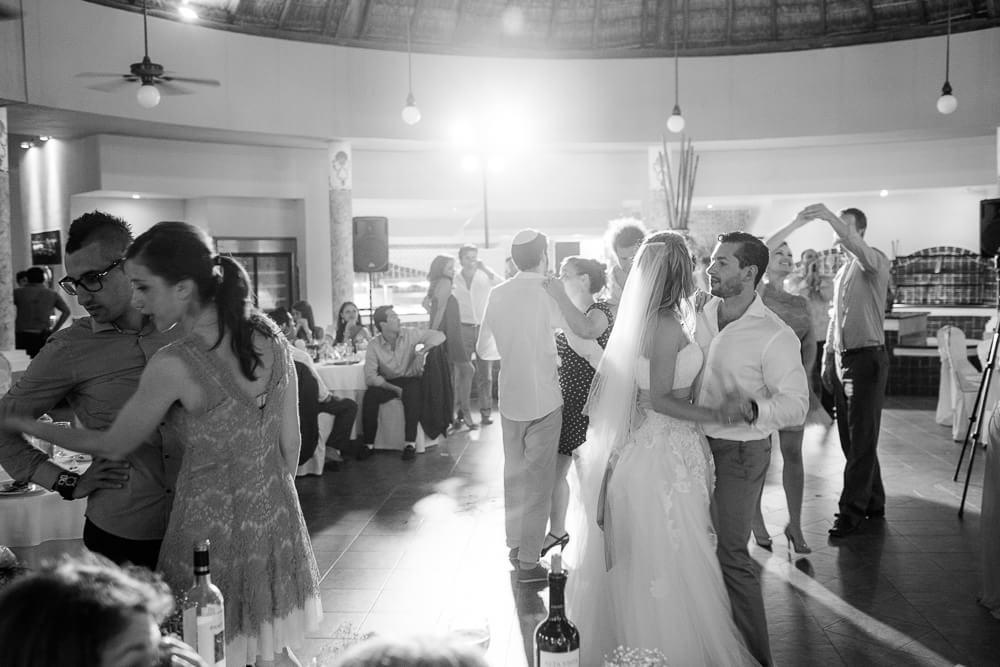Last dance at Riviera Maya wedding