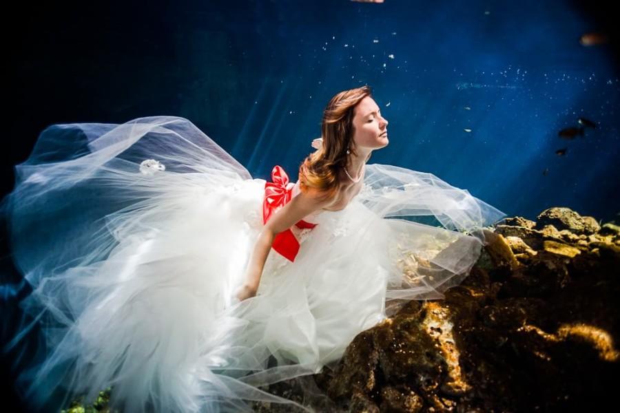 Bride's trash the dress