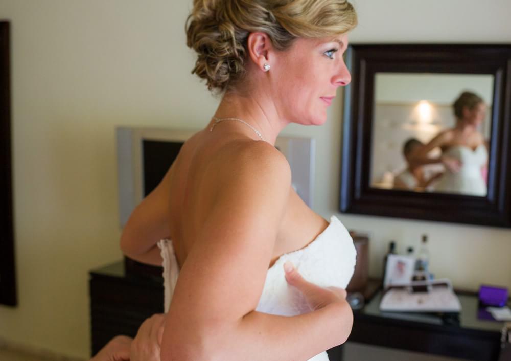 bride getting ready for GRAND SUNSET PRINCESS RIVIERA MAYA WEDDING