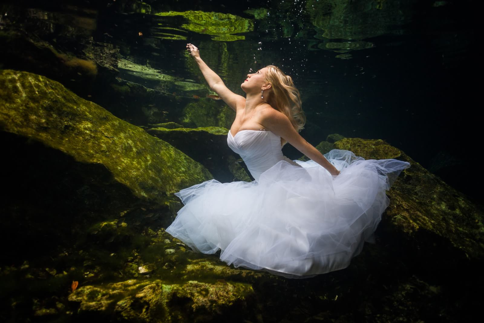Underwater Mayan Cenote Trash the Dress_1228