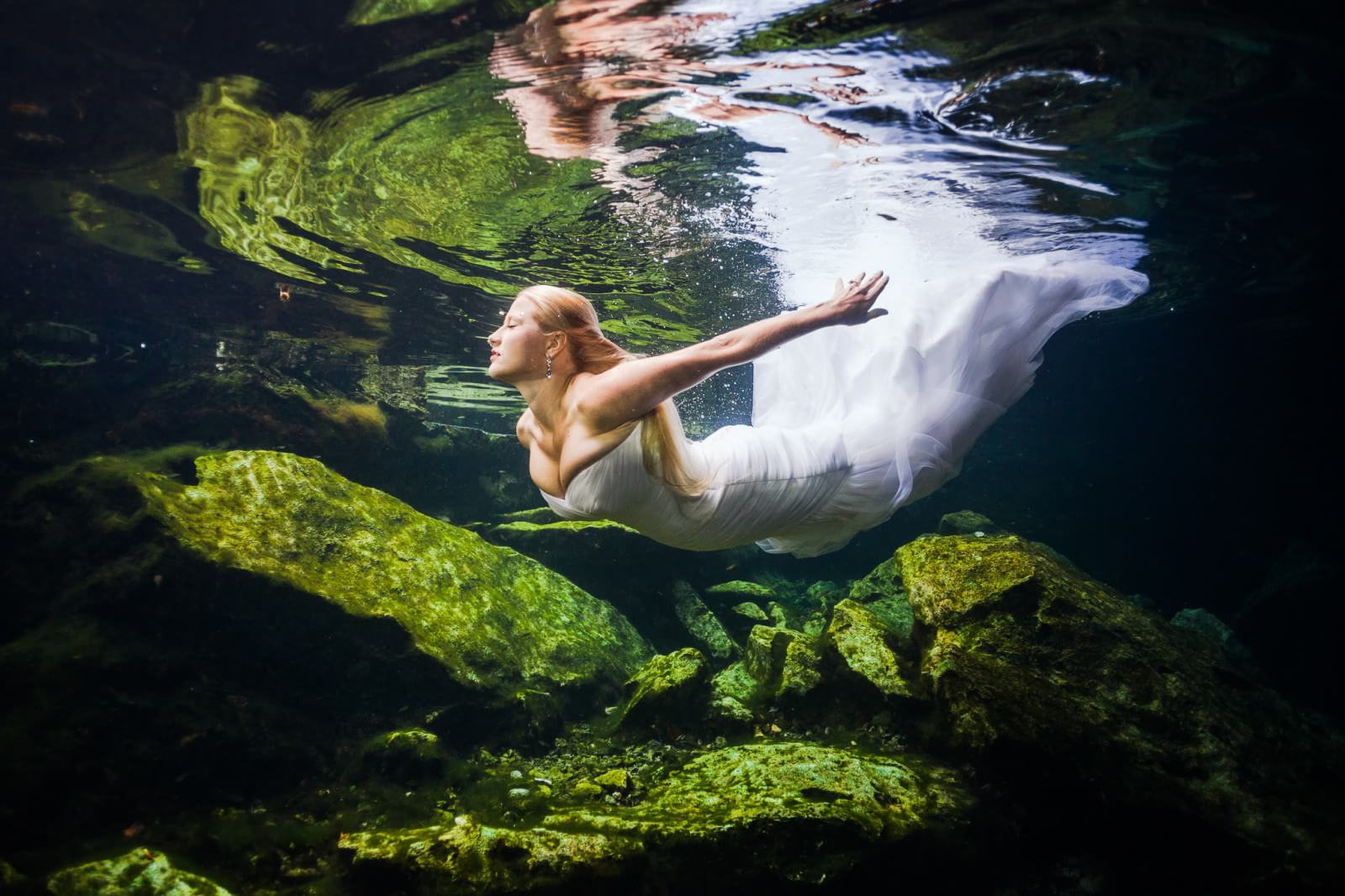 Underwater Mayan Cenote Trash the Dress_1300