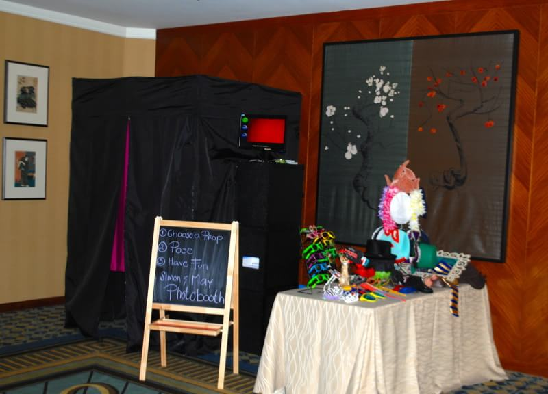 riviera-maya-photo-booth-style-enclosed-booth-2