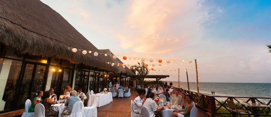 How to time your wedding photography for sunset