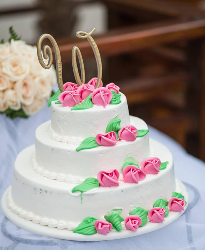 Close up of wedding cake.