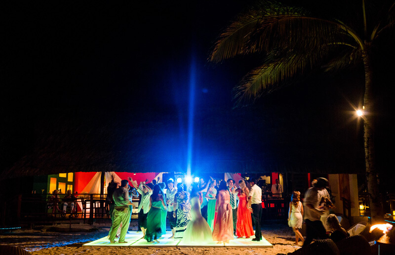All guests dancing at wedding reception in Riviera Maya