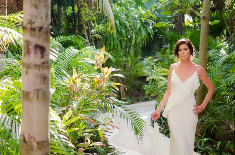 Bridal portait at Sombras del Viento, Tulum wedding