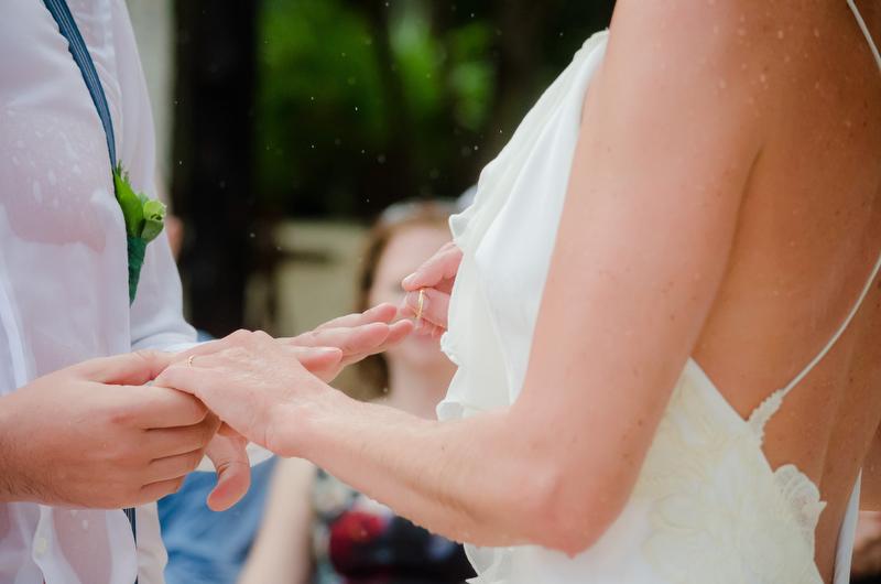 Wet ring exchange Sombras del Viento, wedding