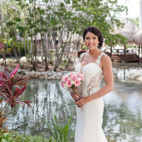 Bridal portrait at Playa del Carmen Riviera Maya