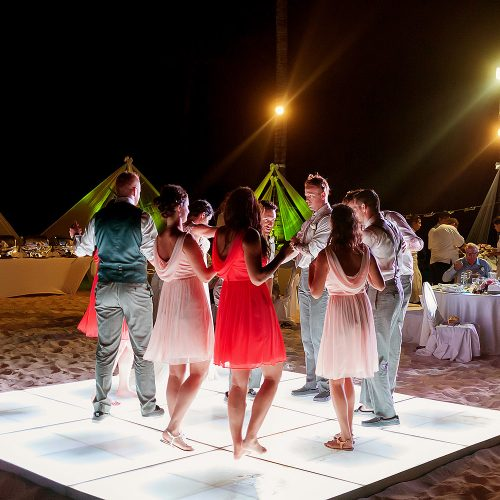 guests having fun at Playa del Carmen wedding reception