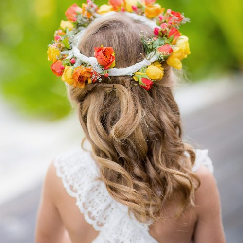 Flower girls headband before wedding in Tulum.