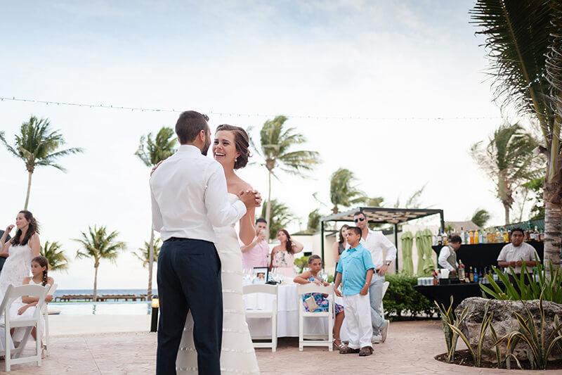 First dance at Azul Five's wedding