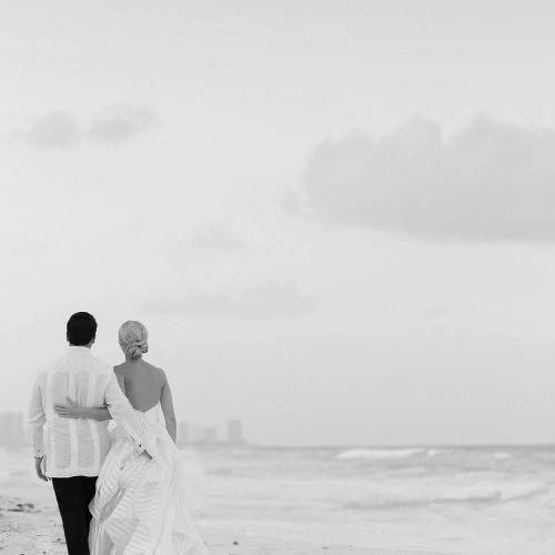 Black and White wedding photography at Hard Rock Cancun