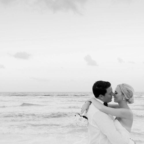 Black and White wedding photography at Hard Rock Cancun beach wedding