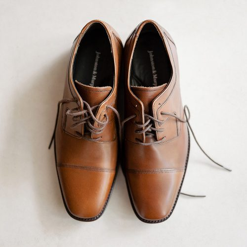 Grooms shoes before wedding