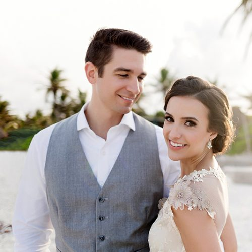 Portrait of bride and groom at Tulum wedding | Dean Sanderson Weddings