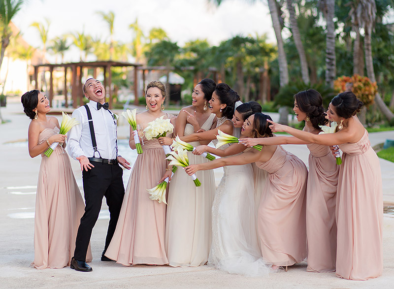 Bridesmaids with Manmaid in Cancun wedding.