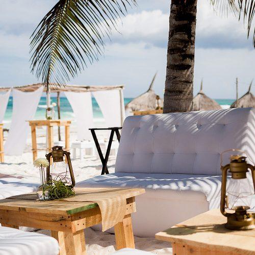 Details at beach wedding in Riviera Maya