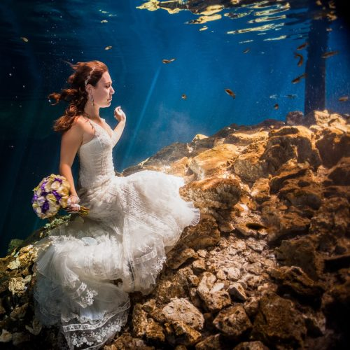 Bride underwater in Trash the Dress, Riviera Maya