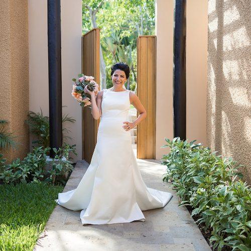 Bride ready to go to ceremony at Banyan Tree Mayakoba